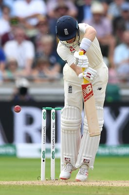 Joe Root England Lucky Bail v Australia Edgbaston Ashes 2019