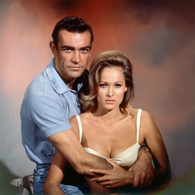 Sean Connery & Ursula Andress James Bond Dr. No