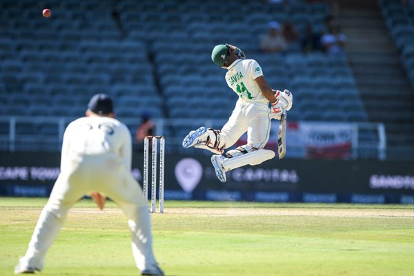 Temba Bavuma South Africa v Stuart Broad England 4th Test 2020