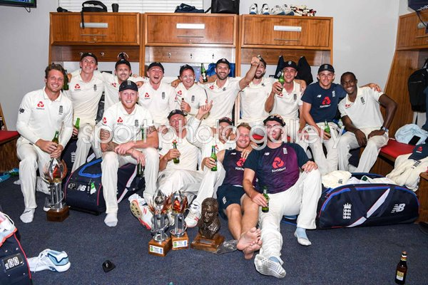 England celebrate Test Series win v South Africa Johannesburg 2020