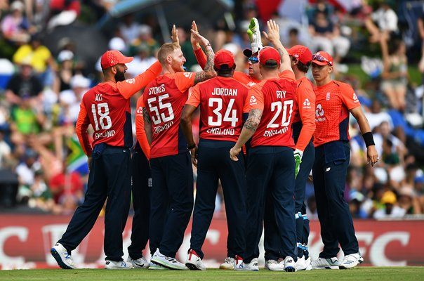Ben Stokes celebrates in England huddle T20 v South Africa 2020