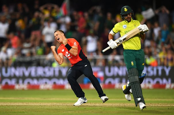 Tom Curran England winning wicket v South Africa T20 Durban 2020