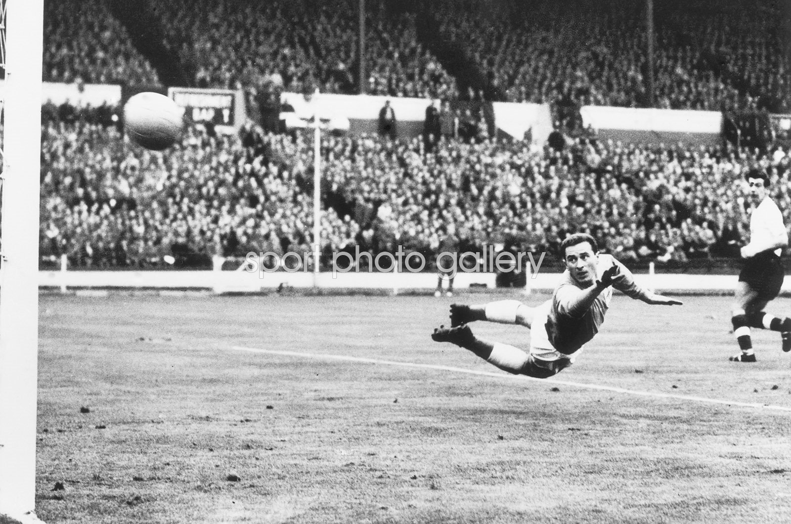 Harry Gregg Ireland Save v England Wembley 1959