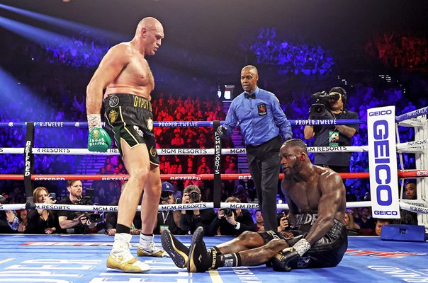 Tyson Fury Stands Tall v Deontay Wilder Las Vegas 2020