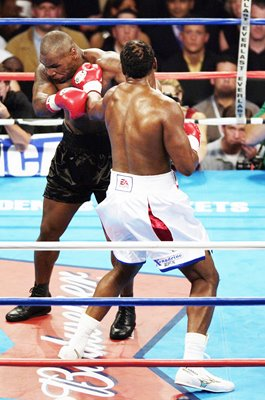 Lennox Lewis dominates Mike Tyson World Heavyweight Fight 2002
