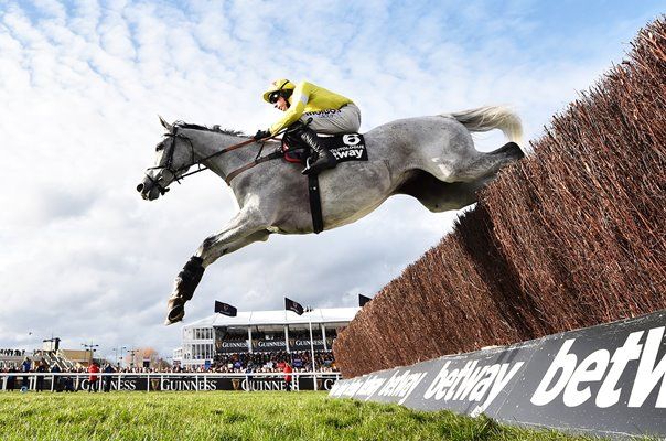 Harry Skelton riding Politologue Queen Mother Champion Chase Cheltenham 2020