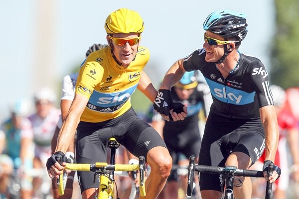 Bradley Wiggins finishes 2012 Tour in Yellow