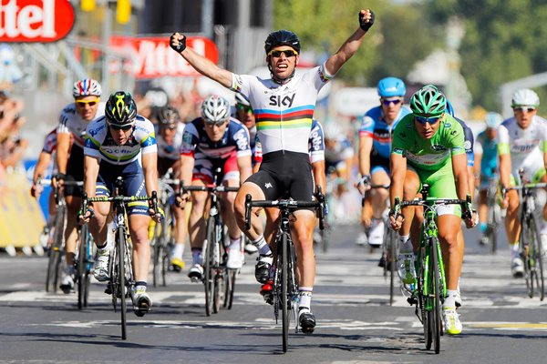 Mark Cavendish wins 4th straight Paris stage