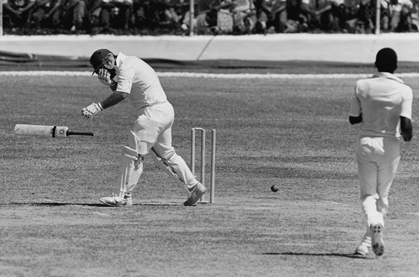 Mike Gatting England struck by Malcolm Marshall bouncer 1986