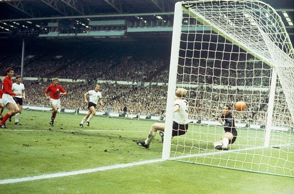 Martin Peters scores England's 2nd goal v West Germany World Cup Final 1966