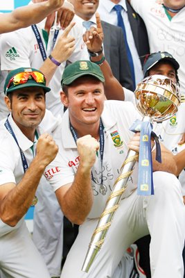 Graeme Smith captains South Africa to #1