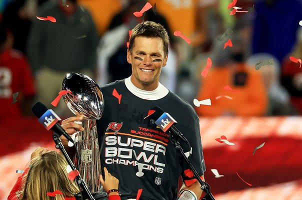 Tom Brady Tampa Bay Buccaneers Vince Lombardi Trophy Super Bowl 2021