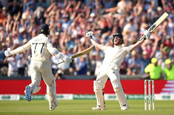 Jack Leach & Ben Stokes England celebrate Headingley Ashes 2019