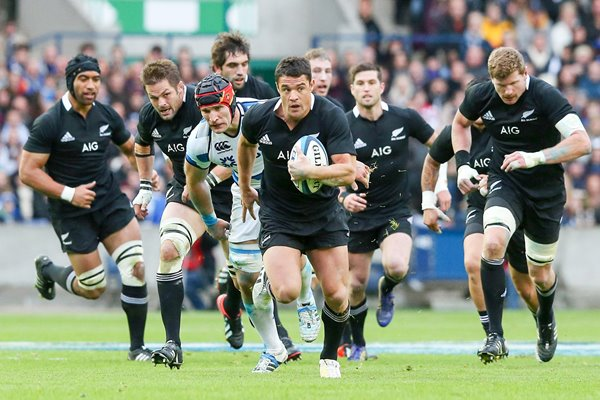 Dan Carter Charges Scotland v New Zealand