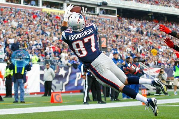 Rob Gronkowski New England Patriots dive