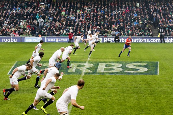 Owen Farrell leads England advance in Dublin 2013