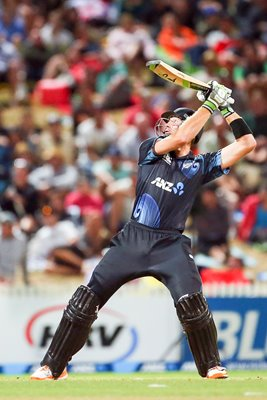 Martin Guptill New Zealand Upper Cut 6 v England 2013