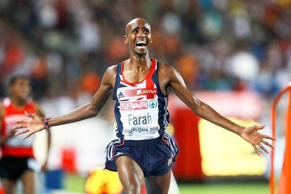 Mo Farah wins the 5000m men gold