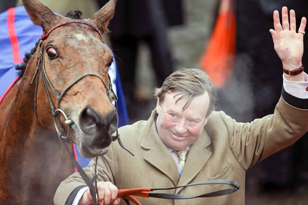 Trainer Nicky Henderson & Gold Cup winner Bobs Worth