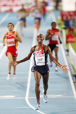 Mo Farah wins gold in the 5000m final