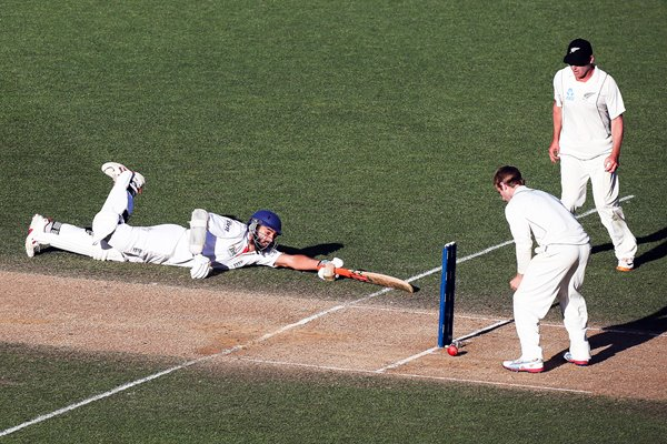 Monty Panesar dives England to safety Auckland 2013