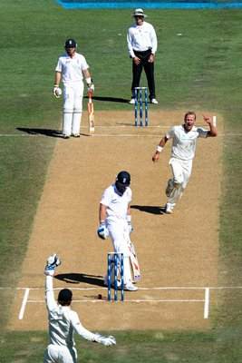Matt Prior nearly bowled by Neil Wagner Auckland 2013