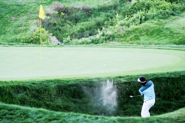 Bubba Watson Playoff near miss from bunker