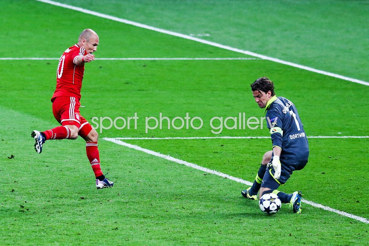 Arjen Robben scores Bayern Munich Champions League Final winner 2013