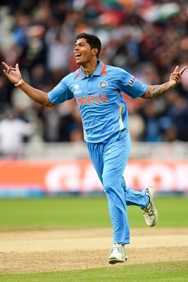 Umesh Yadav India celebrates Champions Trophy Final 2013