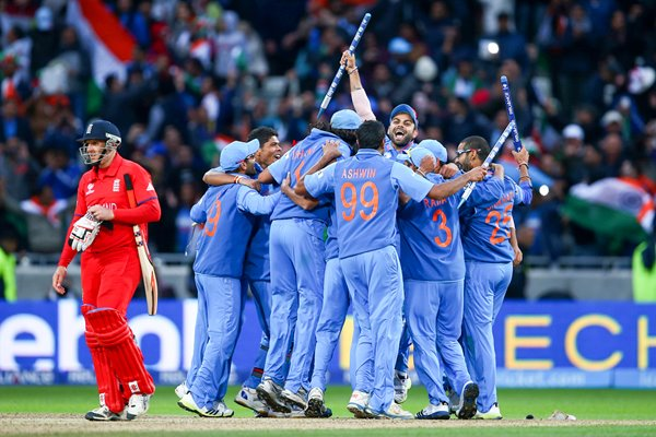 India win ICC Champions Trophy 2013