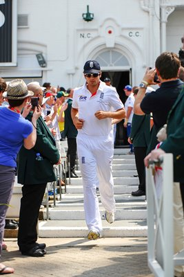 Alastair Cook leads out England 1st Ashes Test 2013