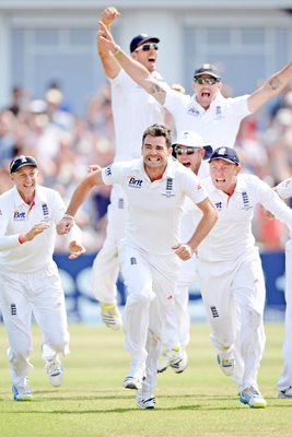 1st Test Ashes 2013 England Win