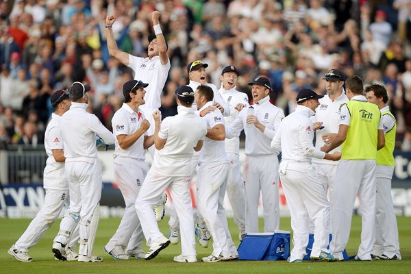 England celebrate 4th Ashes Test Durham 2013