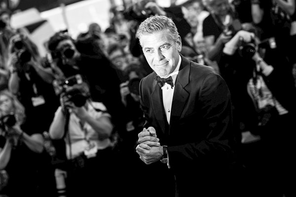 George Clooney and paparazzi