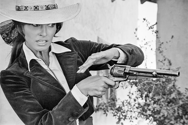 Raquel Welch In Bandolero 1967