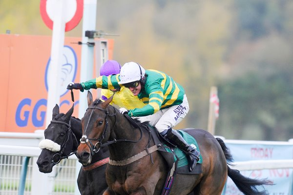 Tony McCoy Mountain Tunes 4000th winner Towcester 2013