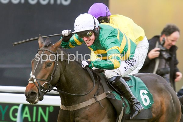 A.P. McCoy Mountain Tunes 4000th winner Towcester 2013