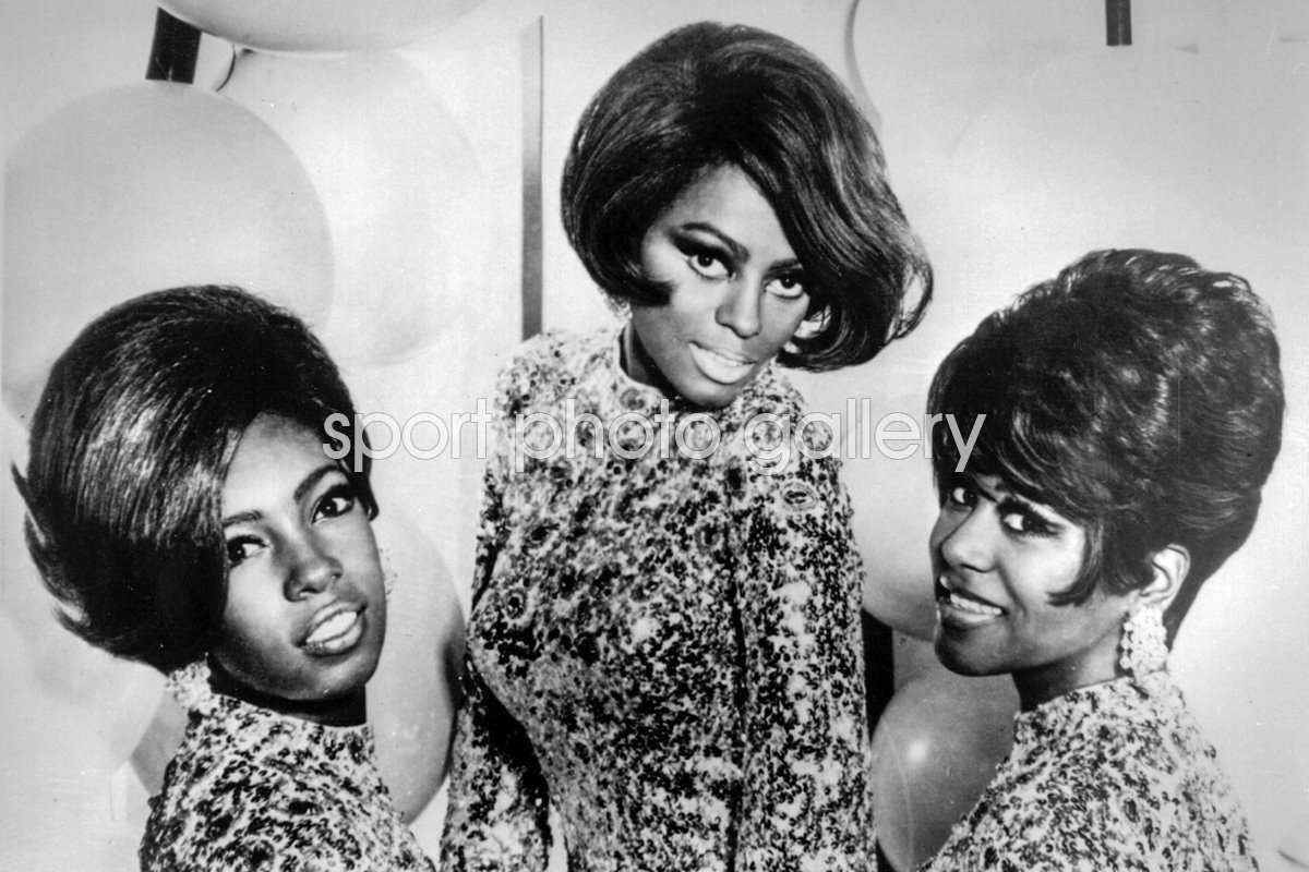 Top Motown soul pop group The Supremes 1968