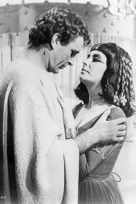 Richard Burton and Elizabeth Taylor in Cleopatra 1962