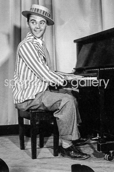 Lemmon Plays Piano