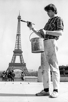 Painting Eiffel Tower