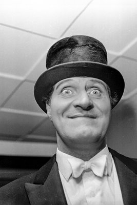 Tommy Cooper Comedy Great 1964