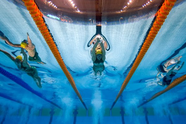 Alicia Coutts swimming at the 2010 Commonwealth Games