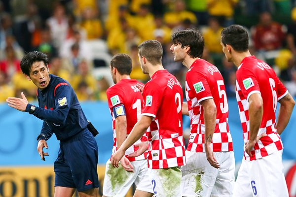 Croatian players v referee 2014 World Cup