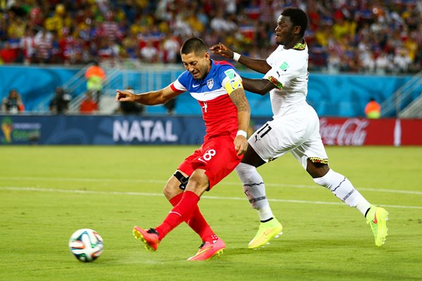 Clint Dempsey scores for USA 2014 World Cup