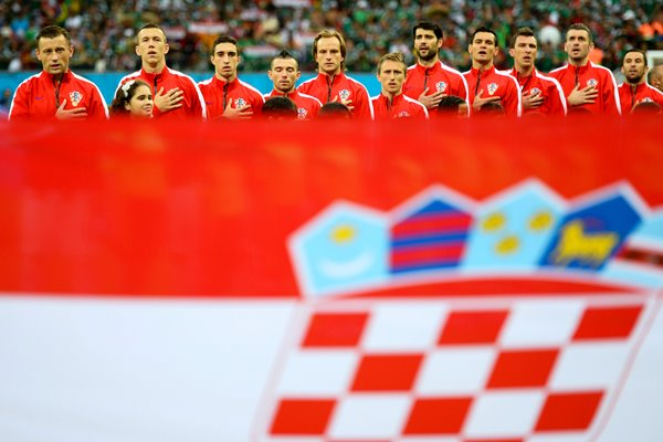 Croatia players sing the anthem 2014 World Cup