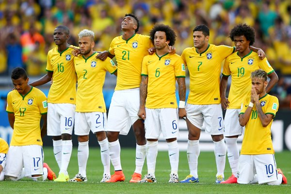 Brazil players v Chile 2014 World Cup