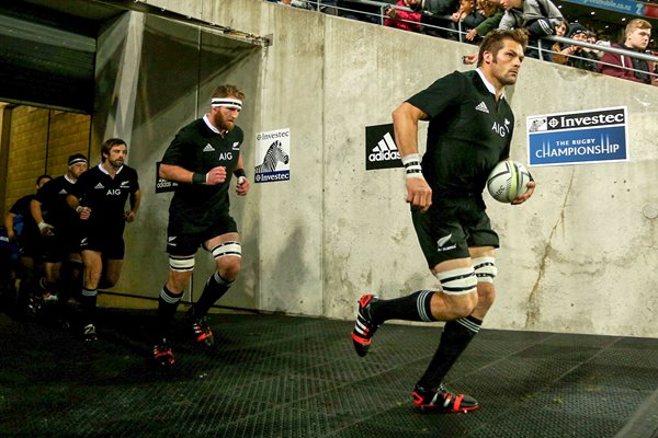 Richie McCaw leads out New Zealand v Springboks Wellington 2014