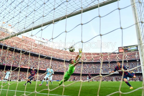 Lionel Messi 400th Goal Barcelona Camp Nou 2014