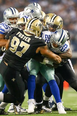 DeMarco Murray tackeld by New Orleans Saints